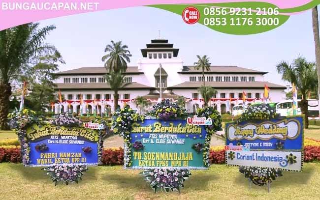 Toko Bunga Bandung, Toko Bunga di Bandung, Florist di Bandung, Jual Bunga di Bandung, Bunga Papan Bandung, Karangan Bunga Bandung